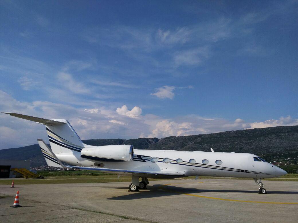 2008 Gulfstream G450 Photo 2