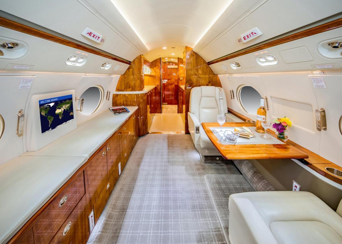 2008 Gulfstream G550 Photo 3