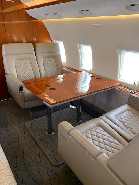 2005 BOMBARDIER/CHALLENGER 604 Photo 4