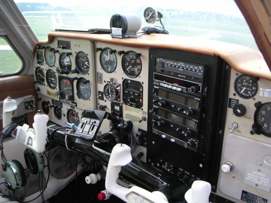1966 BEECHCRAFT V35B TURBO BONANZA Photo 3