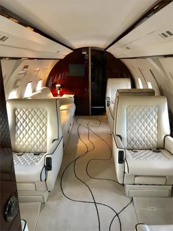 1986 BOMBARDIER/CHALLENGER 601-1A  - Photo 2