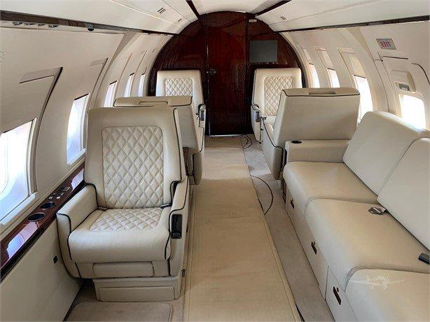 1986 BOMBARDIER CHALLENGER 601-1A Photo 6