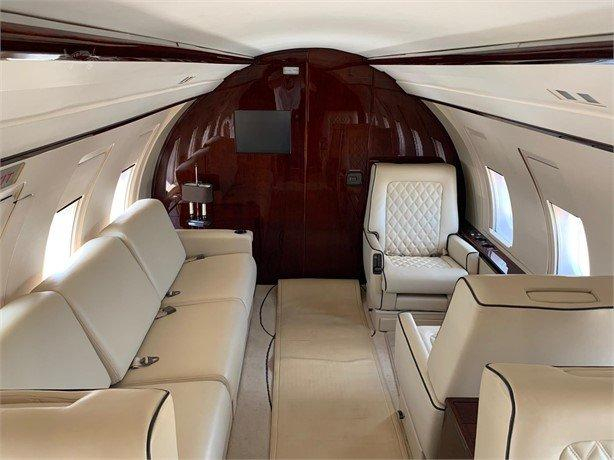 1986 BOMBARDIER CHALLENGER 601-1A Photo 7