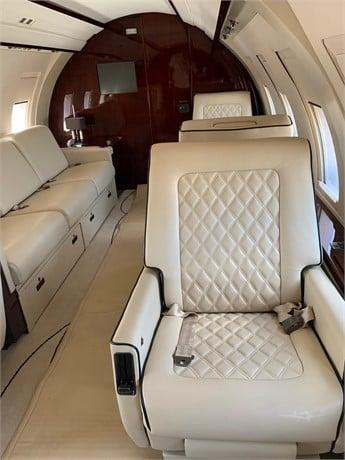 1986 BOMBARDIER CHALLENGER 601-1A Photo 3