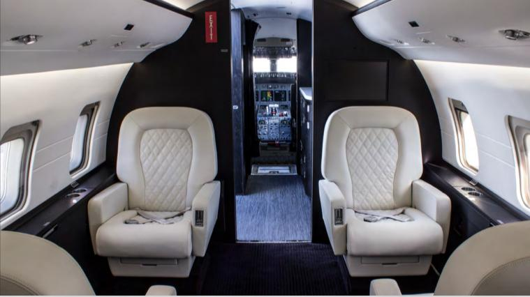 1999 Bombardier Challenger 604 Photo 4