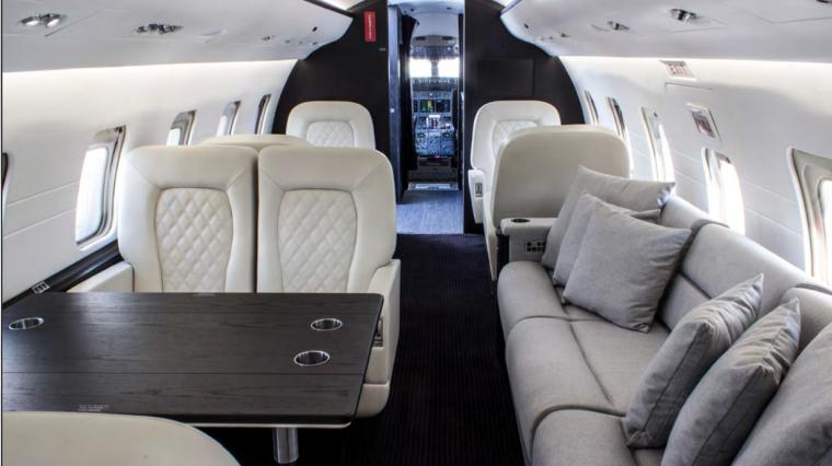 1999 Bombardier Challenger 604 Photo 7