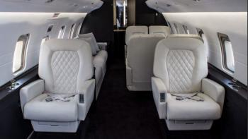 1999 Bombardier Challenger 604 - Photo 2