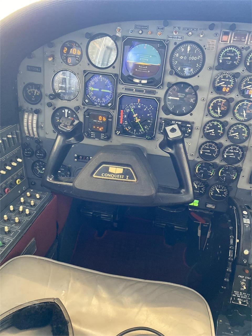 1981 CESSNA CONQUEST I Photo 6