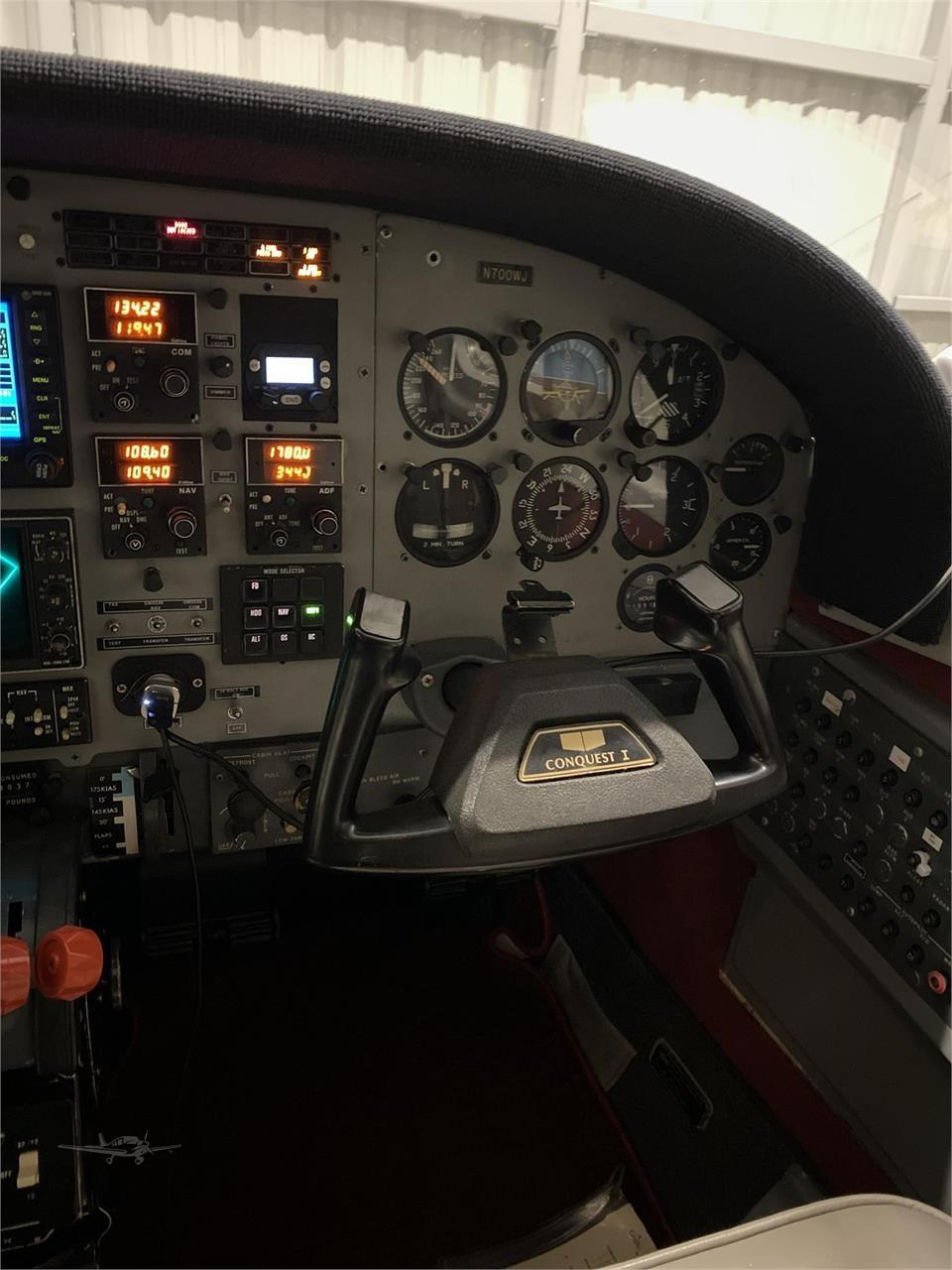 1981 CESSNA CONQUEST I Photo 2