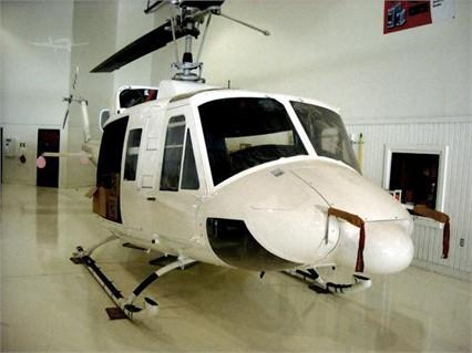 1991 BELL 212 Photo 2