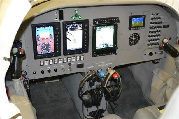 2014 LANCAIR IV Photo 6