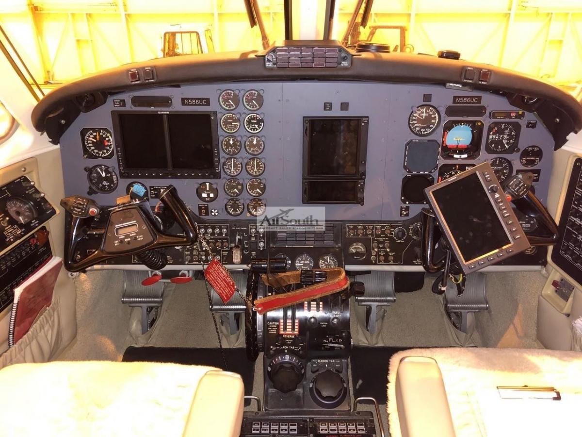 1983 BEECHCRAFT KING AIR B200 Photo 2