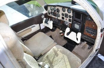 1980 BEECHCRAFT F33A BONANZA  - Photo 2