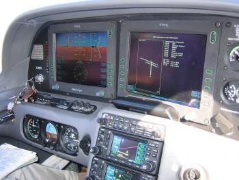 2003 CIRRUS SR22  - Photo 2