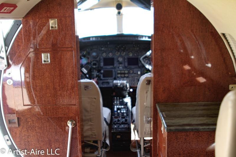 1980 Learjet 25 D Photo 7