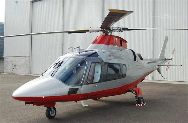 2001 AGUSTA A109E POWER Photo 3
