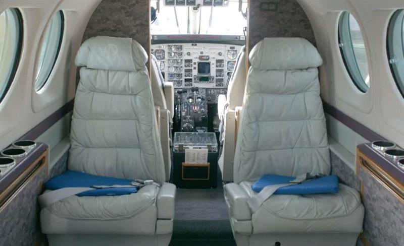 1993 Beech King Air C90B Photo 4