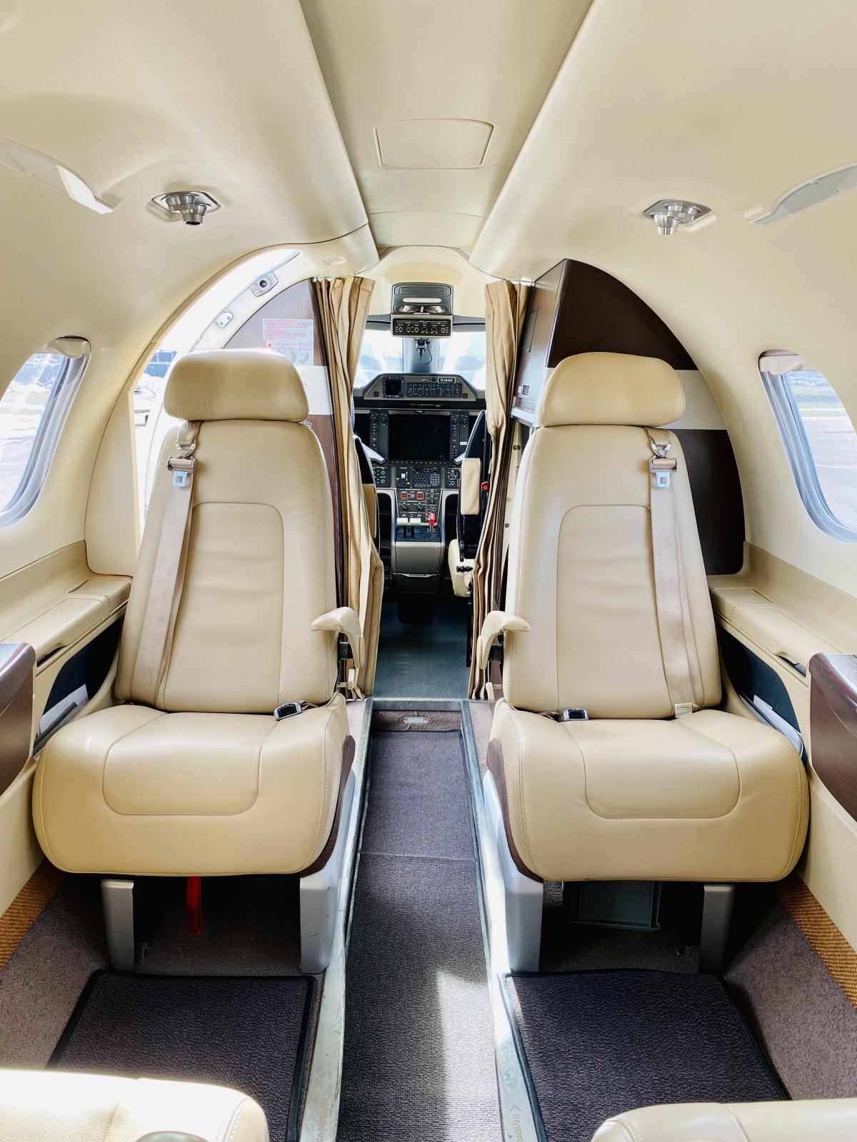 2011 Embraer Phenom 100 Photo 5