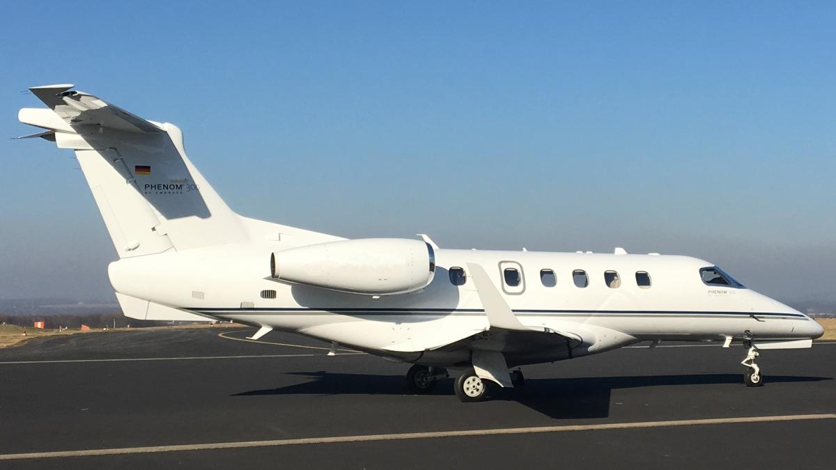 2016 Embraer Phenom 300 Photo 2