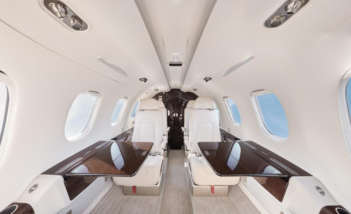 2016 Embraer Phenom 300 Photo 5