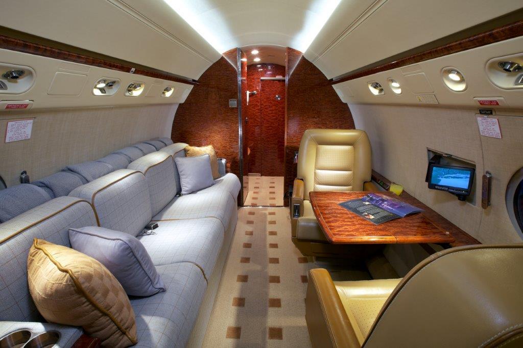 2007 Gulfstream G550 Photo 2