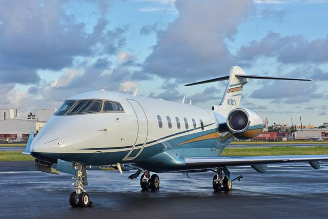 2009 Bombardier Challenger 300 - Photo 1