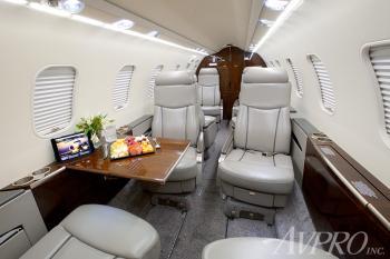 2009 Learjet 45XR - Photo 6