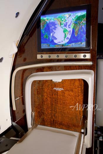 2009 Learjet 45XR - Photo 8