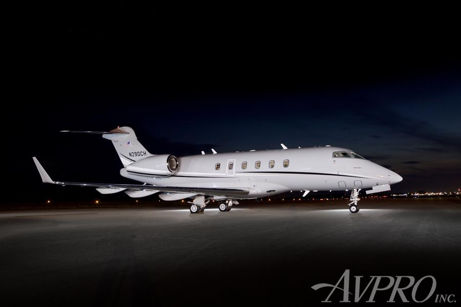 2005 Bombardier Challenger 300 - Photo 1