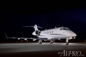 2005 Bombardier Challenger 300 - Photo 2
