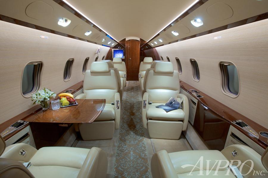 2006 Bombardier Challenger 300 Photo 6