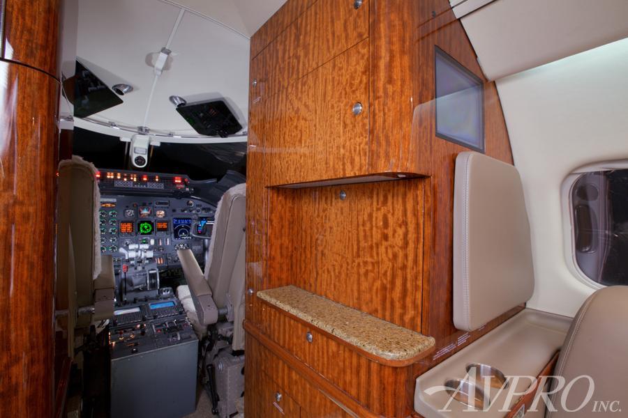 2000 Learjet 60 Photo 5