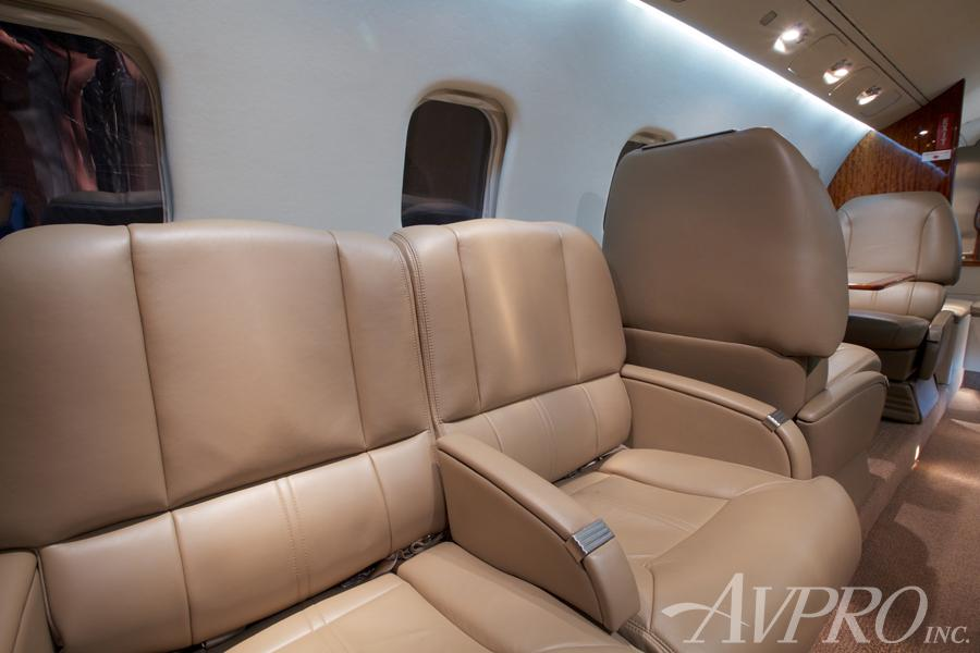 2000 Learjet 60 Photo 7