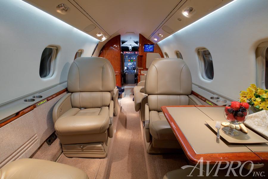 2000 Learjet 60 Photo 6