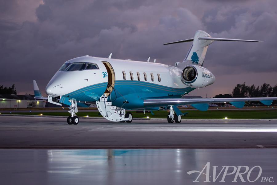 2014 Bombardier Challenger 350 Photo 3