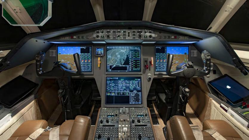 2004 Dassault Falcon 900EXy Photo 4