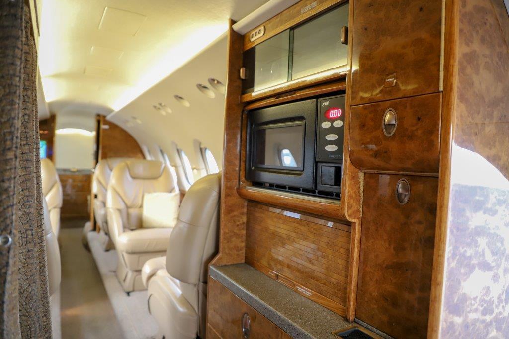 2003 Hawker 800XP Photo 2
