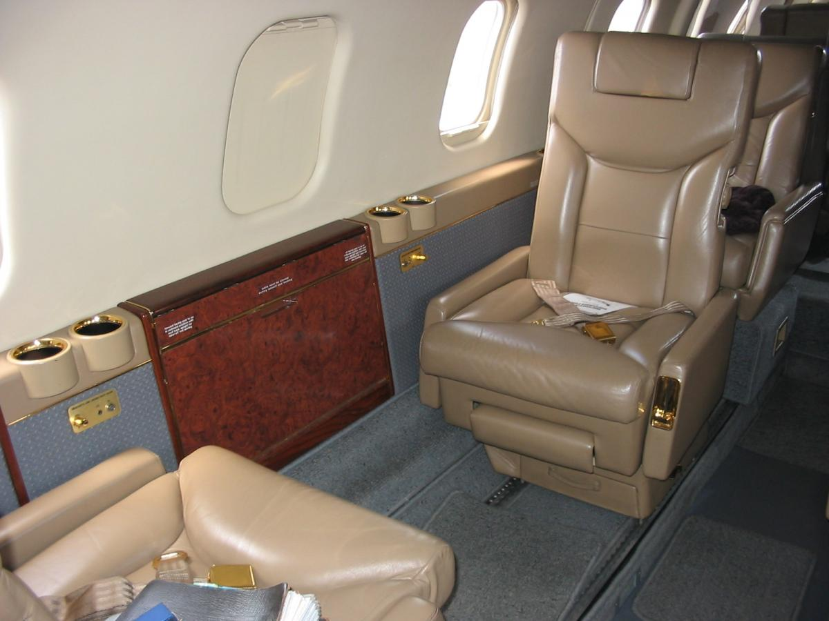 1982 Bombardier Learjet 55 Photo 4