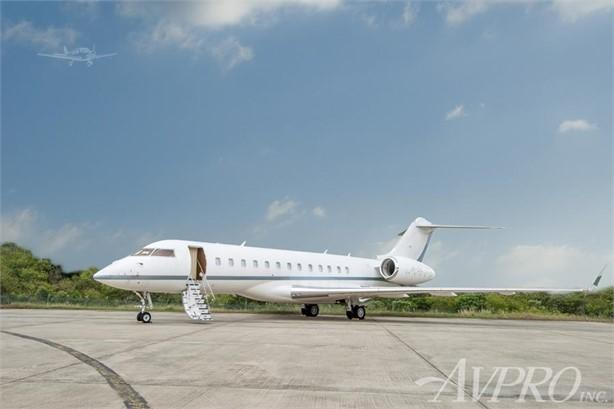 2011 BOMBARDIER GLOBAL EXPRESS XRS Photo 2