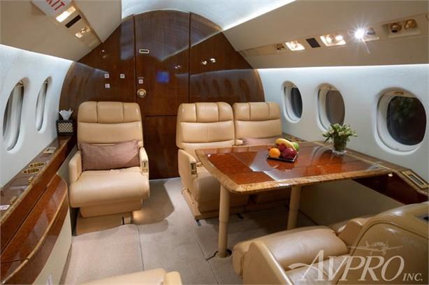 2001 Dassault Falcon 2000 Photo 3