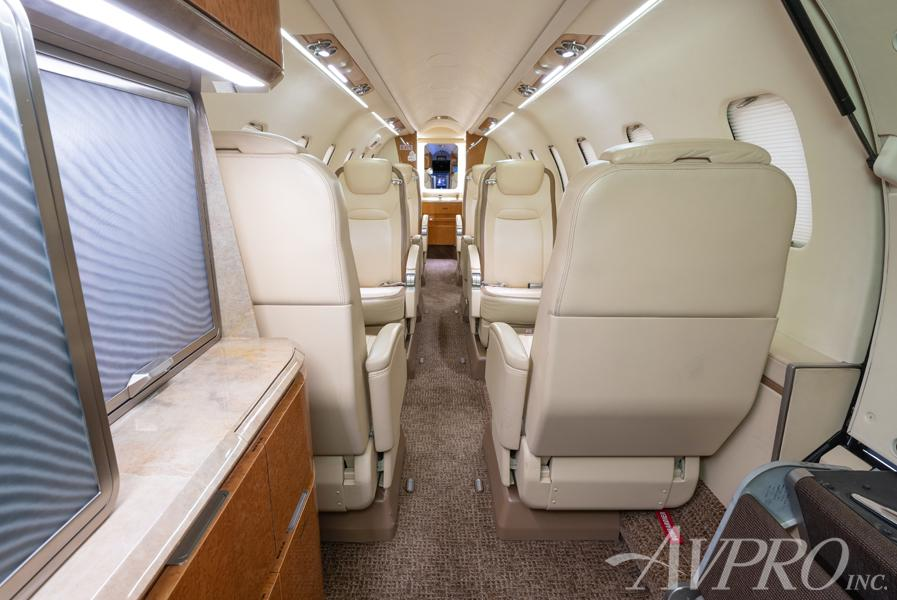 2014 Bombardier Learjet 75 Photo 2