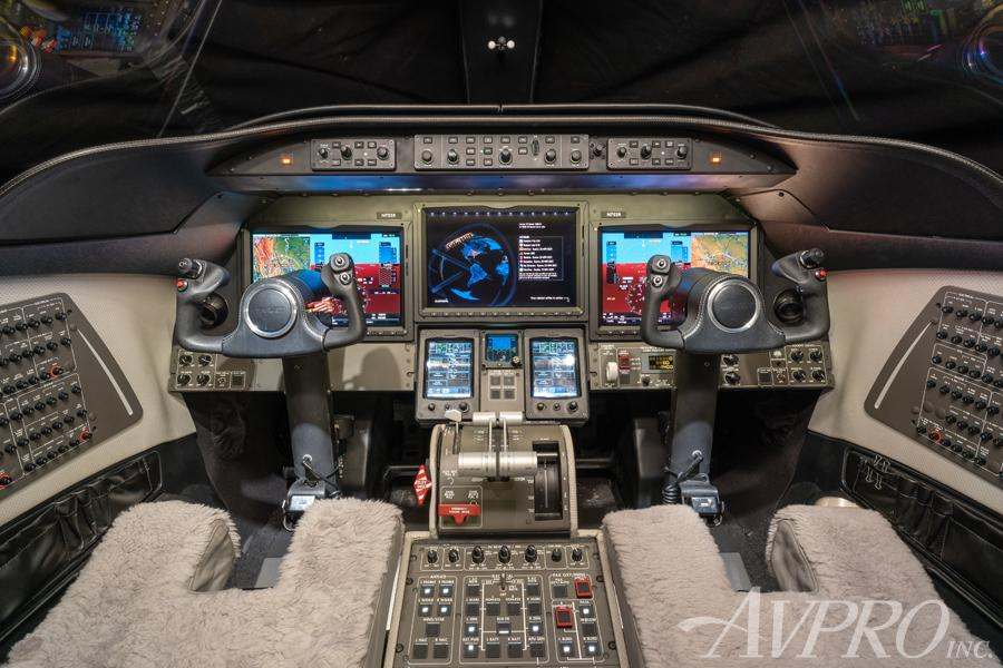 2014 Bombardier Learjet 75 Photo 3