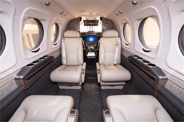 2019 BEECHCRAFT KING AIR C90GTX Photo 4