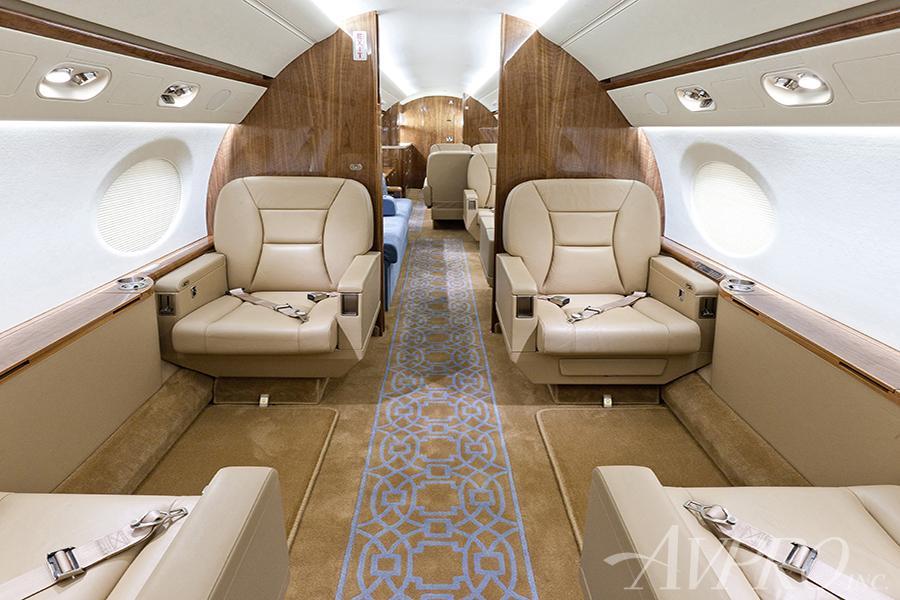 2011 Gulfstream G550 Photo 3