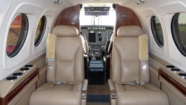 2013 BEECHCRAFT KING AIR C90GTX Photo 2