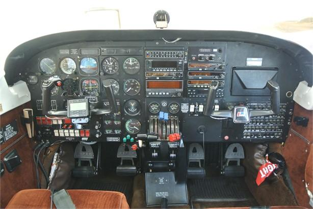 1981 PIPER SENECA III Photo 5