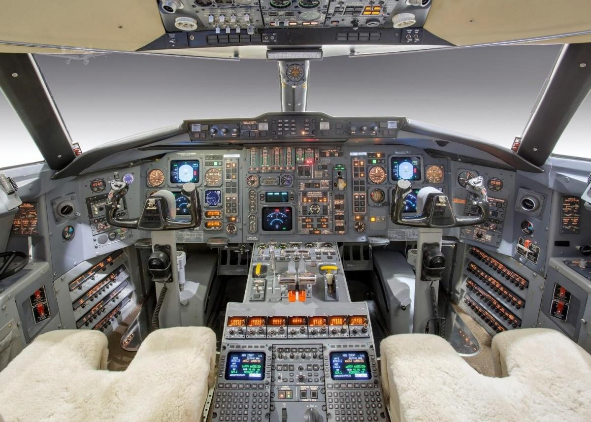 1987 BOMBARDIER/CHALLENGER 601-3A/ER Photo 4