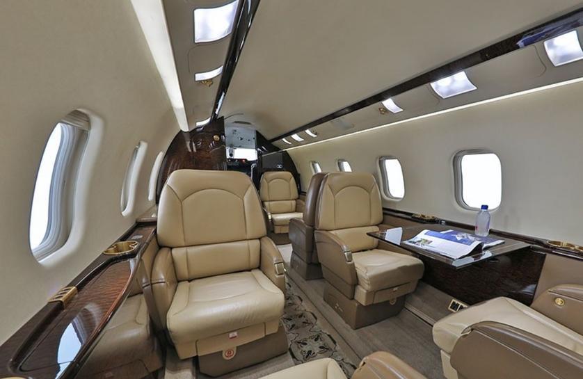 1997 Learjet 60XR Photo 4