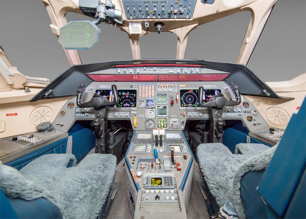 2000 Dassault Falcon 2000 Photo 4