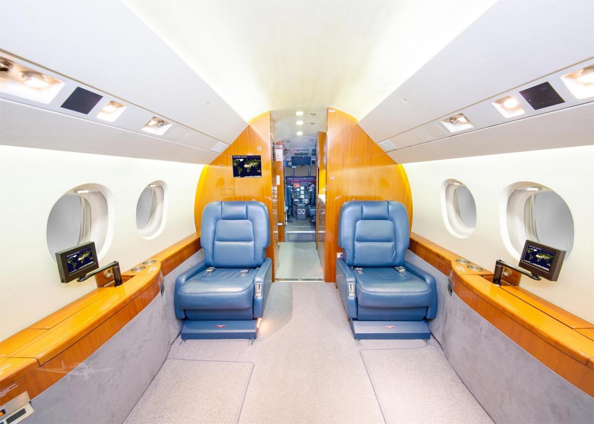 2000 Dassault Falcon 2000 Photo 3